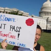 """Usa, rivolta dei repubblicani: salta la nuova riforma sanitaria. Trump furioso: """"Abolire..."""