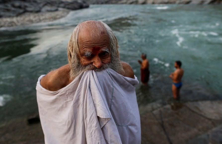 L'India piange il suo fiume sacro Gange avvelenato da uomini e dei