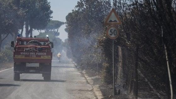 La mafia del fuoco: pressioni alla politica e affari dei clan, ecco perché l'Italia sta bruciando