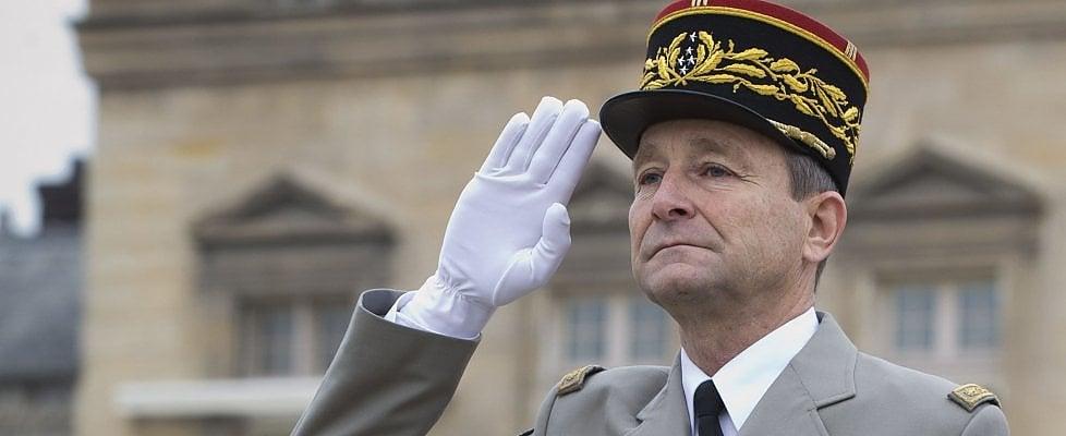 Francia, grana per Macron: il capo di Stato maggiore si dimette dopo i tagli alla Difesa