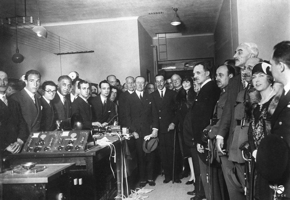 Guglielmo Marconi, 80 anni fa moriva il grande scienziato italiano: le immagini dell'Istituto Luce