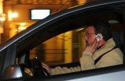 Uso del cellulare alla guida, in arrivo la rivoluzione: fino a 6 mesi di sospensione della patente