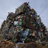 Il pianeta è schiacciato da una montagna di 8,3 miliardi di tonnellate di plastica