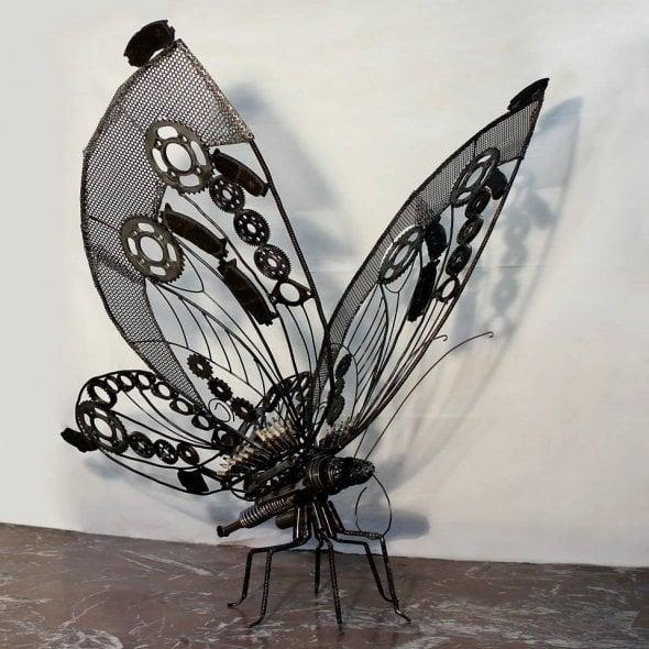 Così i rottami diventano arte grazie all'artista iraniano