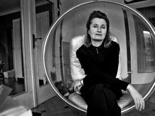 "Elfriede Jelinek, la Nobel ""fastidiosa"": ""La rabbia è la tragedia dei nostri tempi"""