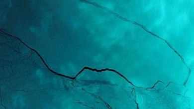 Antartide, il gigantesco iceberg  si sta già rompendo   ·foto