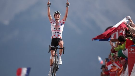 Tour de France, l'Izoard respinge Aru. Tappa a Barguil, Froome padrone
