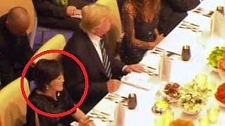 """A cena con Trump la first lady""""finge"""" di non conoscere l'inglese"""