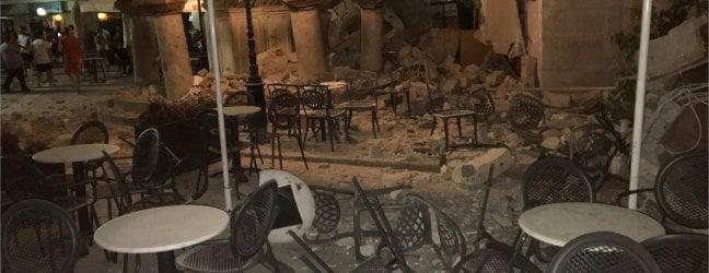 Le distruzioni provocate dal sisma che ha colpito la costa meridionale turca e l'isola greca di Kos