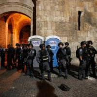 Israele vieta l'accesso alla Spianata delle moschee agli under 50: scontri,