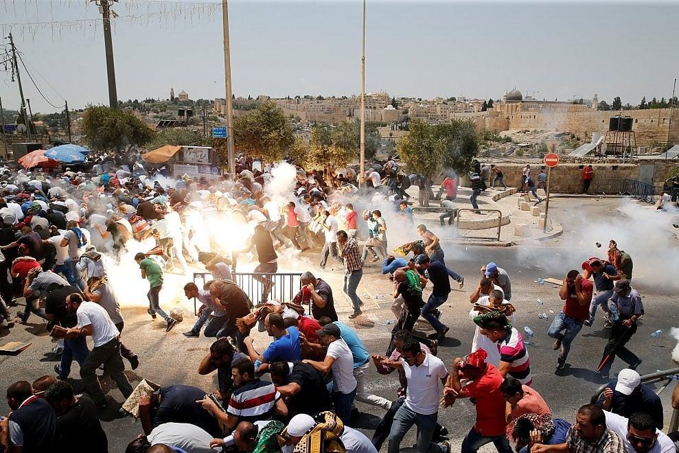 Gerusalemme, scontri fra polizia israeliana e palestinesi