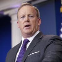 Usa, Trump nomina nuovo direttore della comunicazione. E Spicer si dimette
