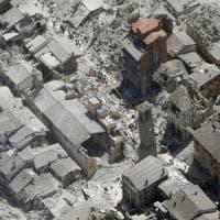 Terremoto, coop e casette rosse, la rivolta dei sindaci: