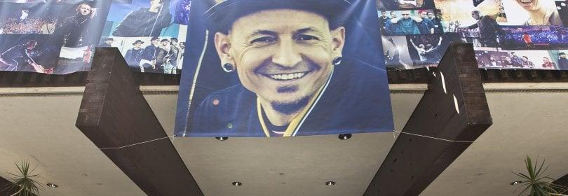 È morto suicida il cantante dei Linkin Park, Chester Bennington ·  Foto  · Videotributo