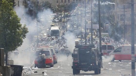 """Gerusalemme, il Papa: """"Appello a moderazione e dialogo"""". Blitz in Cisgiordania, Israele arresta 25 capi di Hamas"""