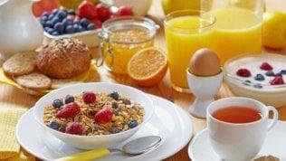 La dieta e gli orari: dimmi quando mangi e ti svelerò quanto potrai dimagrire