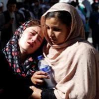 Afghanistan, attacco suicida a Kabul: autobomba causa almeno 37 vittime