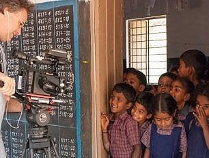 """Shanti Bhavan, la scuola """"dei poveri per i poveri"""""""