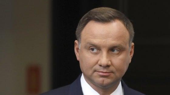 Polonia, a sorpresa il presidente blocca la contestata riforma della Corte suprema