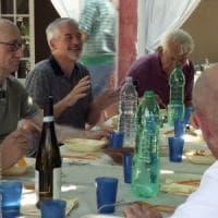 """Anziani gay, la prima casa di riposo lgbt: """"Vecchi sono solo i pregiudizi"""""""