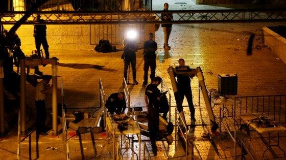 Gerusalemme, Israele toglie i metal detector dalla spianata delle Moschee