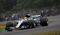 Sterzata sull'elettrico La Mercedes in Formula E