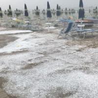 Maltempo, temporali e grandinate al Nord. In Abruzzo affonda peschereccio, morti due marittimi