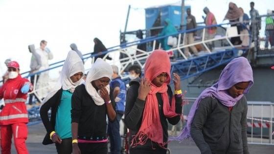 "Migranti, Ue: ""100 milioni per legge Minniti"". Gentiloni: ""Segua mobilitazione dei Paesi"""