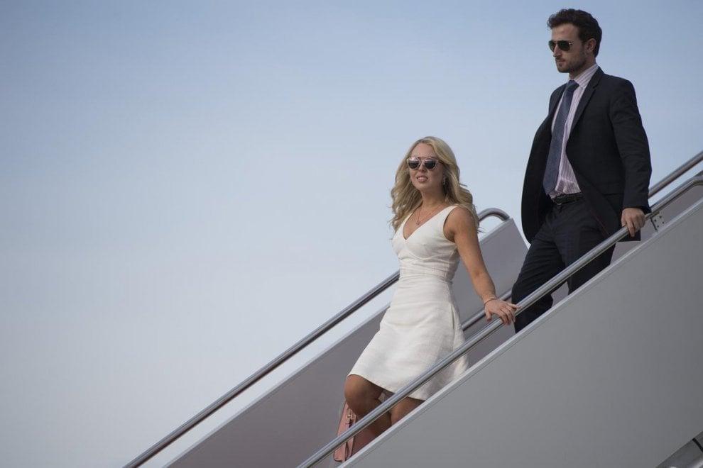 Il tour europeo di Tiffany Trump finisce sui social e in polemica: conto salato per gli americani