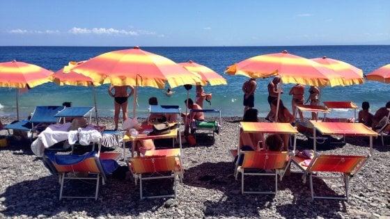 Stessa spiaggia, stesso mare: viaggio tra gli sdraiati d'Italia