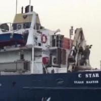 Migranti, rilasciati gli attivisti della nave anti-Ong