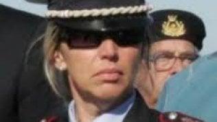 Argentario, la comandante dei vigili spara al figlio e si uccide