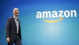 Amazon vola e Bezos diventa l'uomo più ricco al mondo. Scalzato Bill Gates