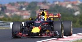 Prime libere a Ricciardo Sesto tempo per Vettel