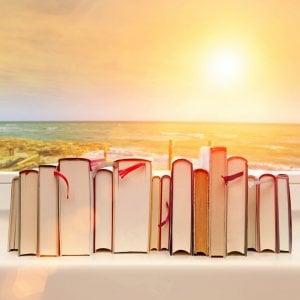 Book-therapy sotto l'ombrellone, ecco come staccare la spina