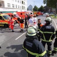 Amburgo, attacco in supermarket: un morto. Aggressore gridava 'Allahu akbar',