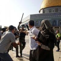 Gerusalemme, ferito giornalista Rai. Ma nessuna violenza nel venerdì di preghiera