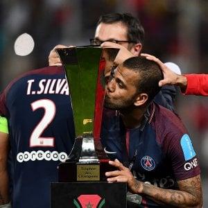 Francia, il Psg si tiene la Supercoppa: Monaco battuto 2-1 grazie a Dani Alves