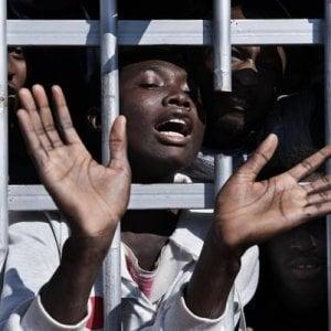 Spagna, migranti tenuti in condizioni pessime e ostacoli alle richieste di asilo