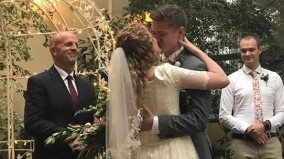 Zoe e Rob, dal colpo di fulmine all'altare: storia d'amore su Twitter