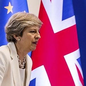 """Brexit, May: """"Da marzo 2019 stop a libera circolazione cittadini Ue"""""""