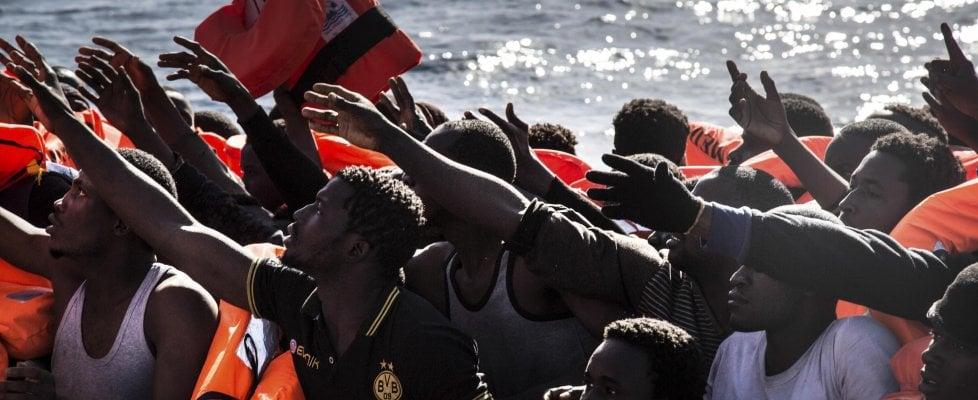 """Migranti, codice Ong: Msf non firma. Minniti: """"Chi non sottoscrive regolamento è fuori"""""""