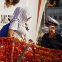 Migranti: i 13 impegni del Viminale per le Ong