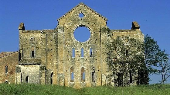 San Galgano, l'abbazia passa al Comune. Via al piano per la riapertura completa