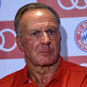 """Bayern Monaco, Rummenigge accusa: """"Tutti fuori forma tranne Ulreich e Martinez"""""""