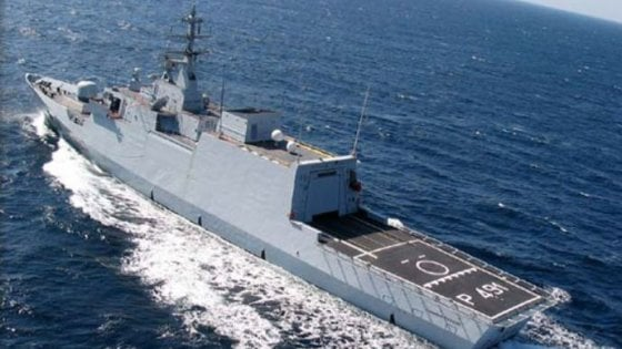 Migranti, Camera approva missione in Libia. Ma è giallo su minaccia Haftar di bombardare navi italiane