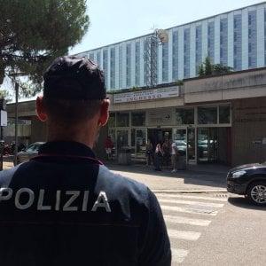 """Verona, arrestata infermiera che somministrava morfina ai neonati: """"Così stanno tranquilli"""""""