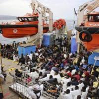 Migranti, appello del commissario Ue Avramopoulos:
