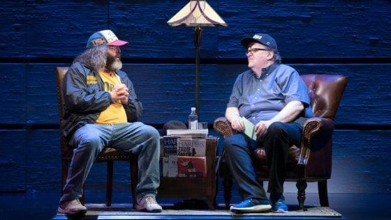 """Broadway, il debutto di Michael Moore contro Trump e la """"sua America"""""""