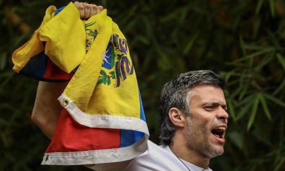Venezuela, si insedia la Costituente voluta da Maduro. Inascoltato l'appello del Papa
